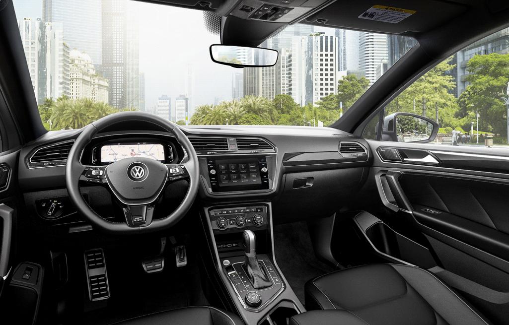 2020 Tiguan Interior - Humberview Volkswagen